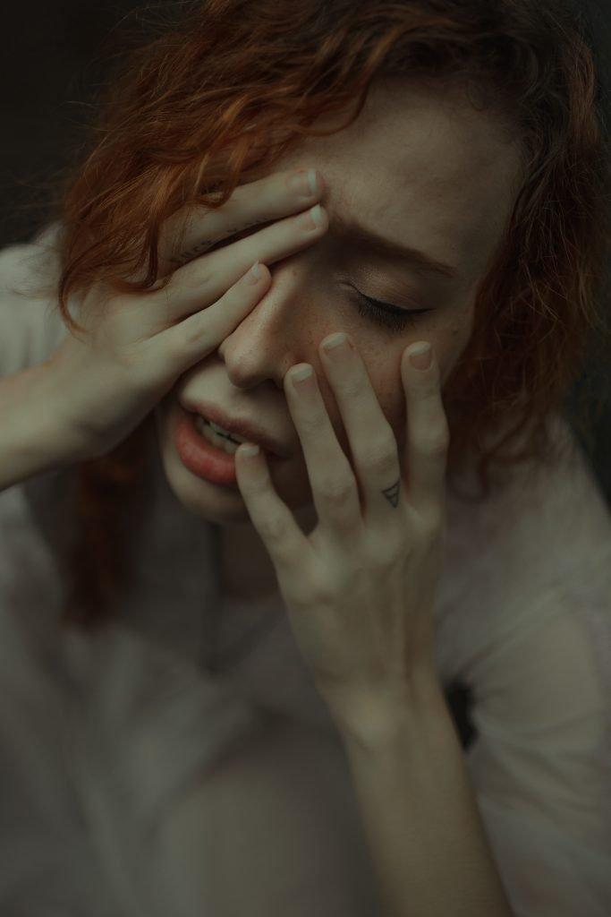 donna con attacco di panico
